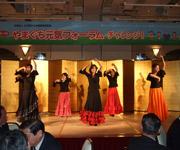 県立大生のフラメンコダンス
